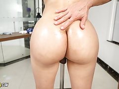 Folks it's that time again. Today is a BIG BOOTY update here at Trans500. Sexy, horny and carrying a huge ass we welcome Laura Colombiana. This gorgeous beauty dances on that pole like a pro.Our boy can't wait to get to that horny ass. The way she moves i