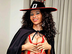 Watch hung tranny witch wank her pole